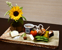 Lunch course · · · 6,000 yen (Tax and service additional)
