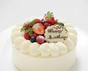 お祝いのお席に...花束・ケーキの注文承ります