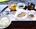 和食ランチ御膳「秋鮭の紙包み焼御膳」