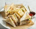 【TAKE OUT】北海道産小麦100%天然酵母パンのアメリカンクラブハウスサンドウィッチ
