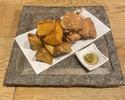 【テイクアウ】鶏の燻製から揚げとポテトフライ