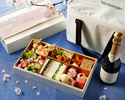【Take Out】 Sakura Picnic Set in a Cooler Bag with Peninsula Champagne(Half Bottle)